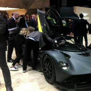 Salon de Genève 2019 : l'Aston Martin Valkyrie en vidéo