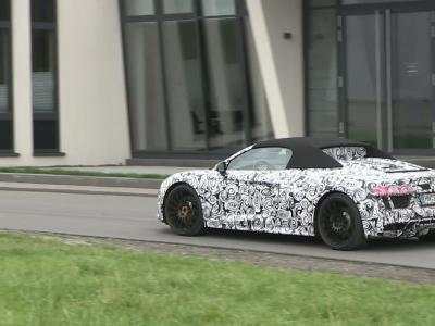 L'Audi R8 Spyder en pleine attaque sur la route