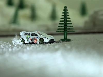 Snowkhana, le Gymkhana d'hiver en miniature