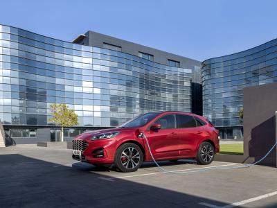 Ford Kuga Plug-in Hybrid : prix et finitions du SUV hybride rechargeable