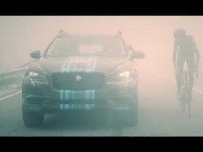 Le Jaguar F-Pace, voiture d'assistance au Tour de France