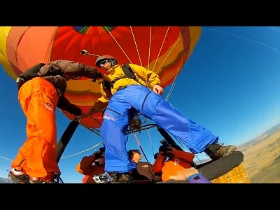 Backflips depuis une montgolfière