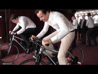 #012-A vélo dans la Tour Eiffel
