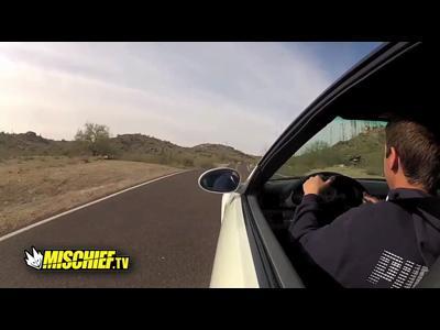 Il crash la voiture du paternel