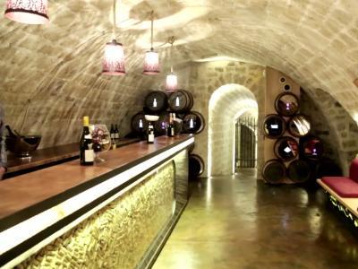 Les Caves du Louvre, le musée interactif du vin