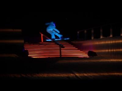 Séance de snowboard nocturne pour Burn