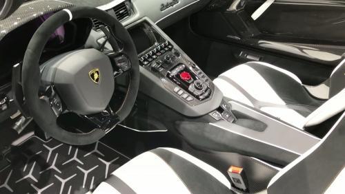 Salon de Genève 2019 : la Lamborghini Aventador SVJ Roadster en vidéo