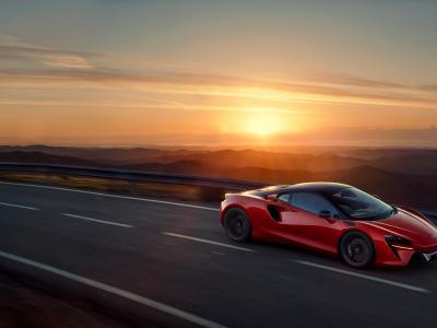 Nouvelle McLaren Artura (2021) : la supercar hybride rechargeable en vidéo