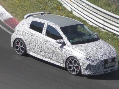 La nouvelle Hyundai i20 N camouflée en vidéo sur le Nürburgring