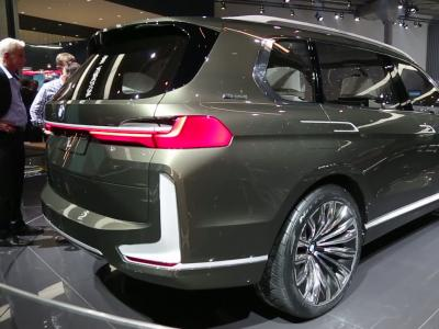 Francfort 2017 : BMW X7 iPerformance Concept