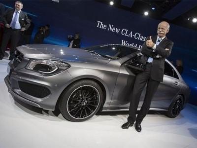 La Mercedes CLA fait son show à Detroit