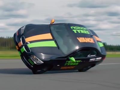 Le record de vitesse... sur 2 roues est tombé!