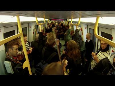 Le Philarmonique prend le métro