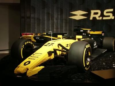 Une maquette de F1 en Lego à l'Atelier Renault