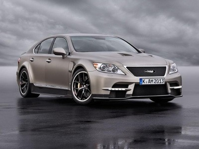 650 ch pour le concept sportif signé Lexus