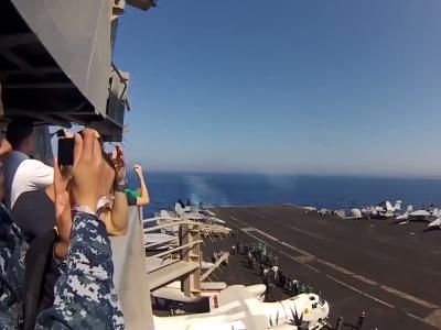 le F/A-18C traverse le mur du son