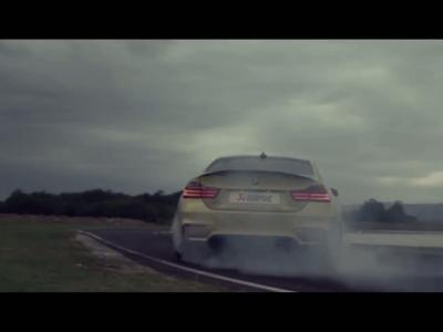 La BMW M4 rugit bien  fort en Akrapovic