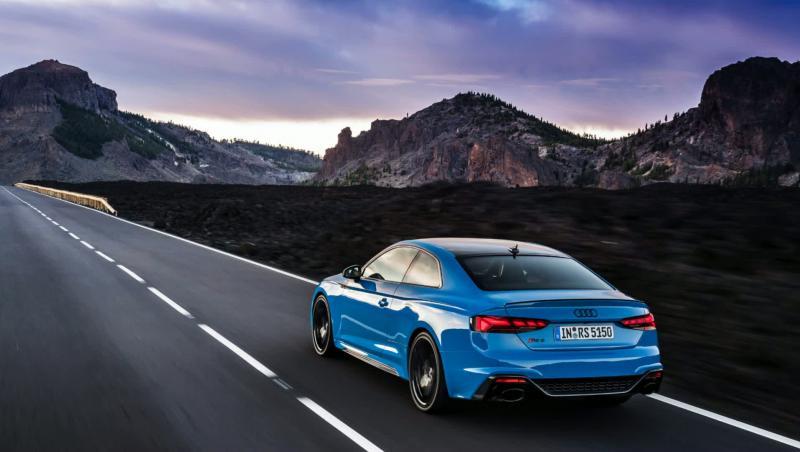 Audi RS5 : le Coupé et la Sportback en vidéo
