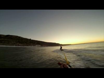 Surfez un rouleau doré