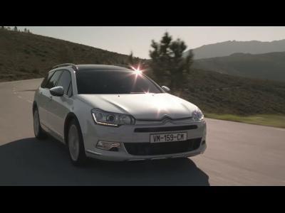 La suspension Hydractive au cœur du spot de la Citroën C5 Cross Tourer