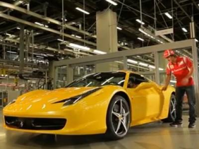 Fernando Alonso test la Ferrari 458 Spider