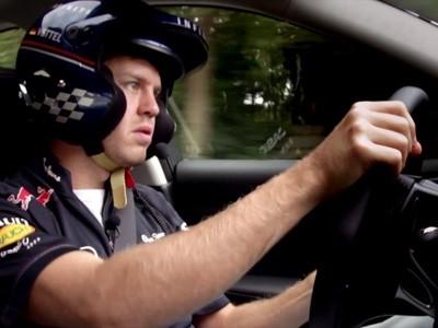 Mise au point de l'Infiniti Q50 avec Vettel et Buemi