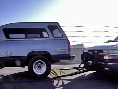 Un filet pour intercepter un véhicule en fuite!
