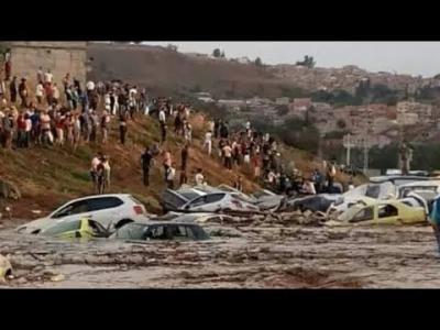 Algérie : des automobilistes emportés par des pluies torrentielles