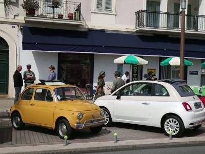 La Fiat 500 60e Anniversaire plonge Cannes dans les années 50