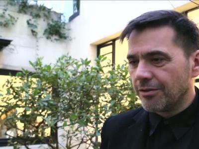 Vidéos : Style  Clergerie met les pieds dans le siècle
