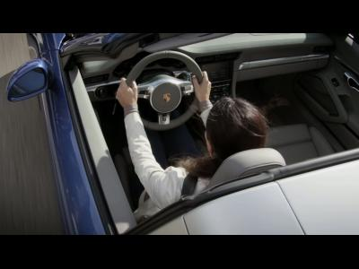 La cinématique du nouveau toit Targa de la 911 en vidéo