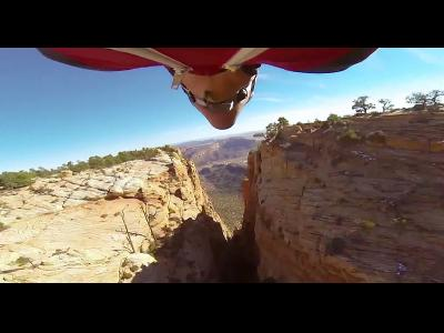 Traversé d'un canyon en Wingsuit