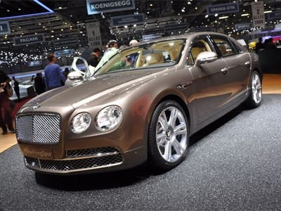 Genève 2013 : Bentley Flying Spur