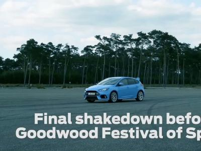 La Ford Focus RS se dégourdit les pneus avant Goodwood