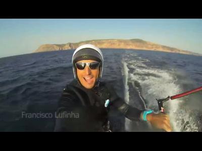 Il pulvérise le record mondial de distance en kitesurf