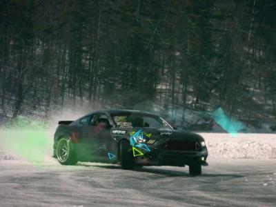 Quand une Ford Mustang se dégourdit les pattes sur un lac gelé